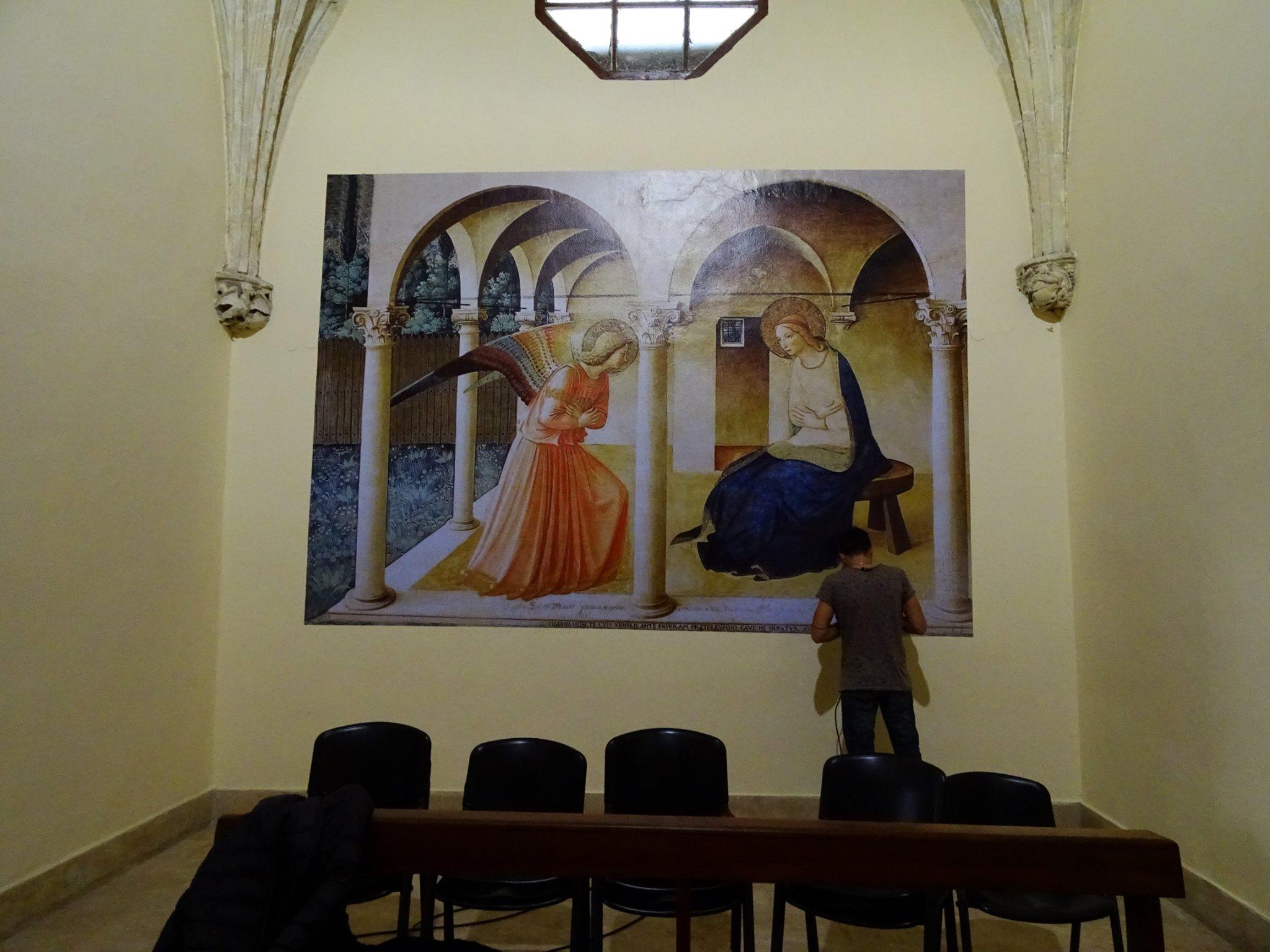 chiesa-affresco-pellicola-per-muro-wall-paper-wall-wrapping