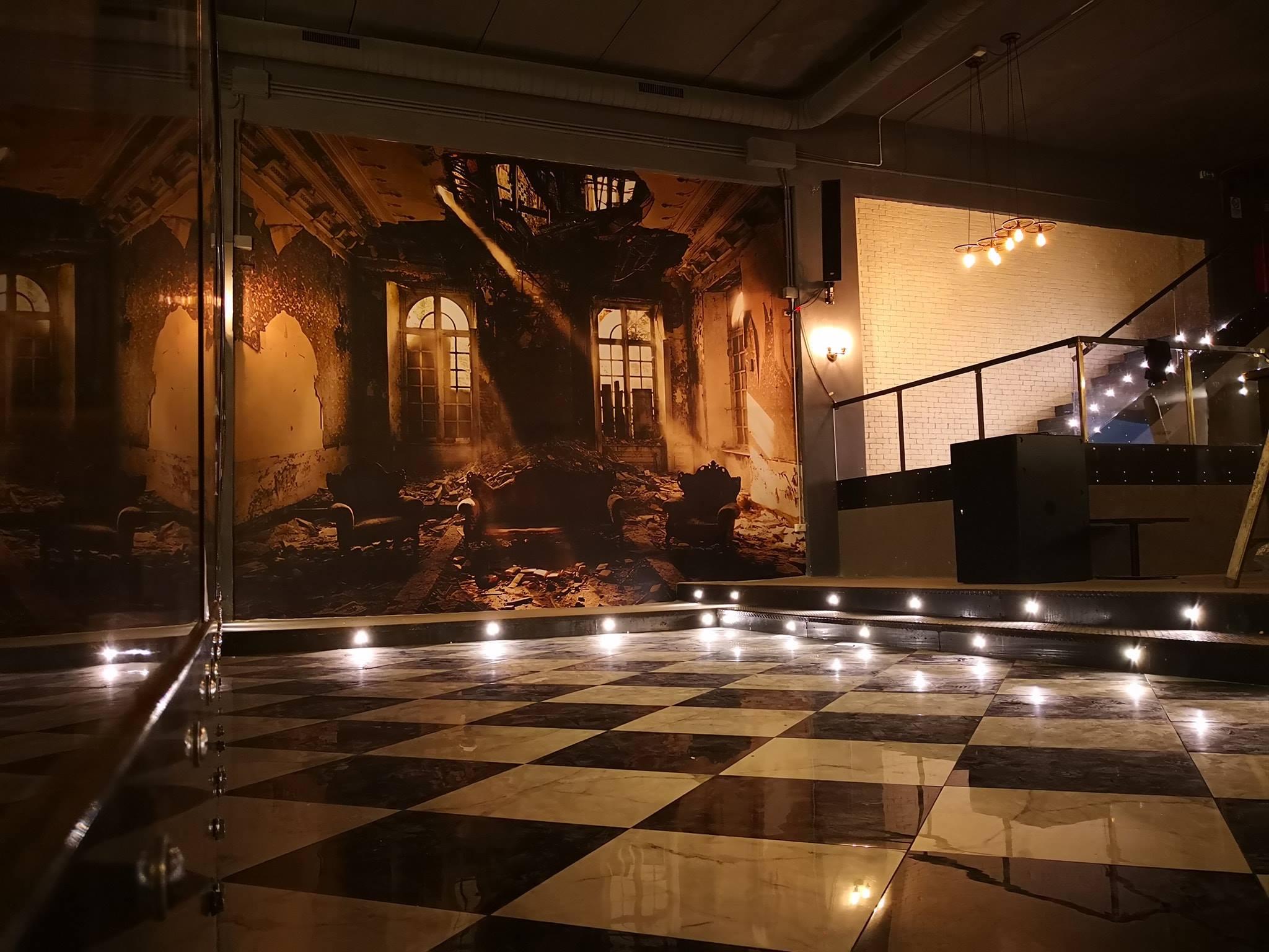 room-wall-paper-pellicola-murale-pellicola-per-muri-discoteca-diroccata-club